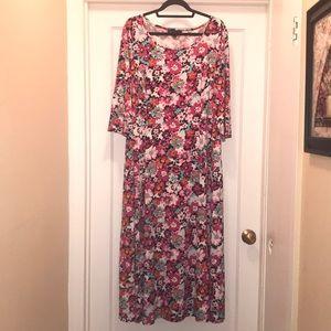 Pretty floral DN Designs 16W maxi dress